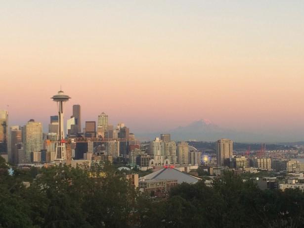 Seattle eta Rainier mendia